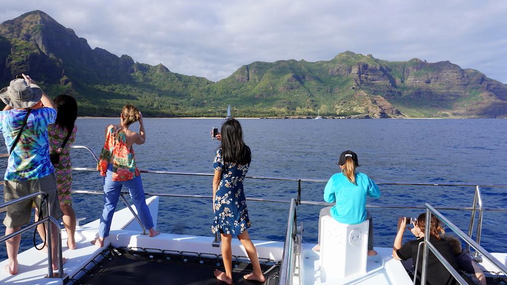 Napali Sunset Cruise In Kauai Hawaii